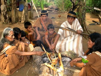 La doctrina Hernando de Soto: ¿Ayuda al desarrollo de los pobres o genocidio cultural moderno?